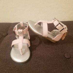 Michael Kors GIRLS Tilly Sansa-888 Pik/Sive Sandal
